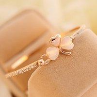 Wholesale Peach Opal - Wholesale-wholesale South Korea exquisite luxury small peach Bracelet Korean clover Bracelet opal bracelet