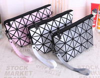 Barato Sacos Das Senhoras Do Diamante-Square Geometric Zipper Cosmetic Bag Mulheres Laser Flash Diamond Leather Maquiagem Bag Ladies Cosmetics Organizer