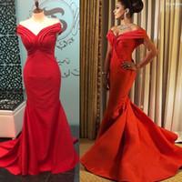 kırmızı akşam elbisesi geri kazdı toptan satış-2017 Kırmızı Kapalı Omuz Dantelli Tasarım Abiye Mermaid Fırfır Etek Fermuar Geri Balo Abiye