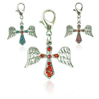 Fashion Floating Lobster Clasp Charms Alliage 3 couleurs Rhinestone Cross Wing Charms Bricolage pour bijoux Accessoires de fabrication