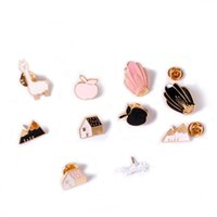 Wholesale metal clothes pins - Wholesale- Fashion small metal Brooches For Women clothing accesories Pins and Brooches Cute jewelry accessories Enamel Pin gift Brooch