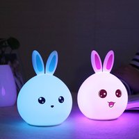 Atacado - Silicone Rabbit Night Lights Lampada de cabeceira Crianças Cute Color Changing Night Lamp Recarregável Touch Sensor Bedroom Light