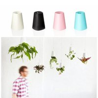 Wholesale 2017 Newest Sky Planter Upside Down Plant Pot Novelty Gift Home Garden Decor Garden Home Office Hanging Creative Plant Pot