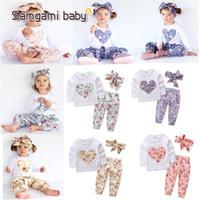 diadema corazones al por mayor-Trajes de flores en forma de corazón del bebé INS Niños camiseta de manga larga + pantalones + Diadema de lazo 3pcs / sets Pijamas florales Conjuntos de ropa