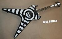 gitarrenkörper zakk wylde großhandel-Benutzerdefinierte ZV Zakk Wylde Flying V weiß schwarz Bullseye E-Gitarre Anitque gelb MOP Block Griffbrett Inlay EMG Pickups String Thru Body