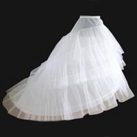 trens de aros de casamento venda por atacado-Nupcial da noiva Branco A-Line 3 Camadas 2 Hoop Train Sweep Slip Vestido De Noiva CrinolinaSkirt Underskirts Para O Vestido De Baile De Casamento Vestidos Pageant