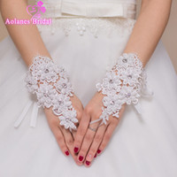 Wholesale Luxury Wedding Gloves - Luxury 2017 Bridal Gloves For Wedding Dresses Lace Beaded Pearls Wedding Gloves Wedding Accessories Fast Free Shipping In Stock
