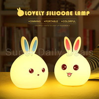 Atacado- New Fashion Rabbit LED Night Light 7 Cor Changing Touch Sensor Light para crianças Sillicone Bedside Lamp Home Decor