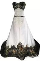 camuflaje vintage al por mayor-Vestidos de novia de camuflaje vintage Bordado Una línea Con cuentas de encaje sin respaldo Corte de tren Camo Vestidos de novia de novia Más el tamaño
