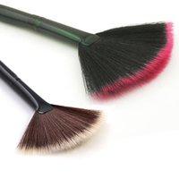 ingrosso polvere di viso marrone-2017 pennelli trucco nero e marrone nuovo Pro Fan forma trucco pennelli cosmetici miscelazione evidenziatore viso polvere strumenti di bellezza WX-B13