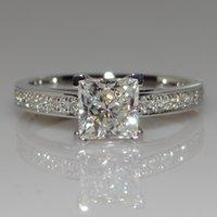 anéis de casamento de prata e prata puro venda por atacado-Big Promoção Real 925 Anéis De Casamento De Prata Pura para As Mulheres 0.7 Ct CZ Diamante Anel de Noivado de Prata Jóias