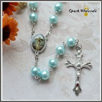 freie katholische rosenkränze großhandel-Rosen-Jesus-Kruzifix-Perlen-Rosenbeet-Halsketten-katholisches Perlen-Rosenbeet des freien Verschiffens religiöse Geschenk-blaue Perlen-Rosenbeet
