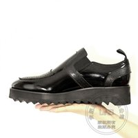 Wholesale Travel Shoes For Men - Soft Leather Cutout Travel Teenager Sexy Solid Color Full Grain Leather Shoes For Men Manual Hand-sewn Exercise