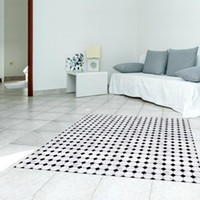 Barato Adesivo De Pvc Preto-Design Criativo Twill Film Floor Sticker Simples Preto Mosaico Branco Mat Geométrico PVC Anti-skid Wear Resistant Home Decoration Floor Carpet