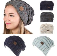 Barato Chapéus Do Esporte Do Crochet-2018 New Fashion Women CC Beanie Tampas de malha de lã de cores misturadas Winter Keep Warm Crochet Hats Outdoor Ski Sportwear A212