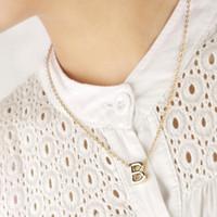 r brief halskette großhandel-26 Buchstaben Anhänger Halsketten A / B / C / D / E / F / G / H / I / G / K / L / M / N / O / P / Q / R / S / T / U / V / W / X / Y / Z Goldener Buchstabe Anhänger für Frauen