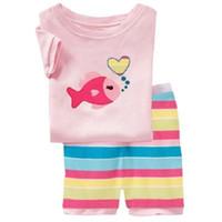 pijama rosa verano al por mayor-Pink Baby Girls Traje de ropa de pijamas Summer Fish T-Shirts Pantalones cortos Rainbow Stripe Pants 100% Cotton Toddler Clothing At Home PJ'S