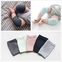 meias de segurança para bebês venda por atacado-Joelheiras bebê Rastejando Protetor de Algodão de Segurança Dos Desenhos Animados Crianças Kneecaps Crianças Kneepad Curto Bebê Aquecedores de Perna Meias Do Bebê 8 Cores