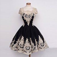Wholesale Short Prom Dresses Tull - Elegant Little Black Dress with Ivory Applique Ball Gown Homecoming Tull Lace Short Prom Dress Button and Zipper Back Bridesmaid Dress