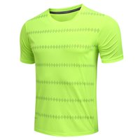 Wholesale men clothing shoes - New men's T-shirts Fashion casual Sports T-shirt Original famous brand T-shirts Basketball football clothes Sportswear basketball shoes 501.