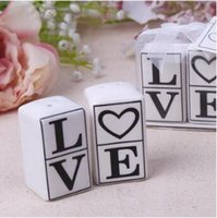 Wholesale Love Salt Pepper - 2pcs set Wedding Favor Gifts LOVE Spice Jar Ceramic Salt And Pepper Shaker Party Gift Kitchen Tools CCA6924 100set