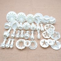 Wholesale Cake Decorating Embossing - Bakeware 33PCS Cake Decorating Tools Set Fondant Decor DIY Biscuit Cookie Cutter Embossing Molds Baking Plastic Plunger Cutter