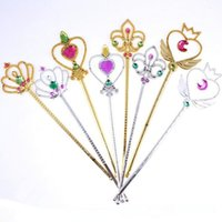 Cute Love Heart Crown Fairy Magic Wand Sticks pour enfants Girls Princess Dress Up Décorations Cosplay Props Party Favors Gift