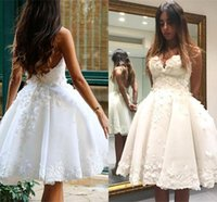 Wholesale vintage pretty bridal - Pretty Sweetheart A-line Short Wedding Dresses Knee-length Appliques Zipper Back Tulle Bridal Wedding Gowns Vestido De Novia