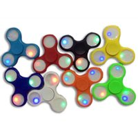 Le Travail Des Enfants À La Main Pas Cher-Lumières LED avec le levier à main du commutateur lumineux Hand Spinner ralper le travail Ultra Fast Bearings Finger Toy, Grand cadeau pour les enfants Wiht Swite