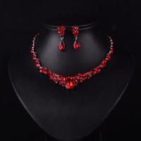 ingrosso set di cristalli rossi-Nuovo stile coreano Red Color Fashion Rhinestone Crystal sposa orecchini e collana Set di gioielli Accessori da sposa