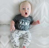bebek varış hediyeleri toptan satış-Sıcak INS Erkek Bebek giyim T gömlek kısa kollu + Çadır pantolon Bebek Kıyafet 2 adet Set 2019 yaz Yeni varış çocuklar için güzel hediye bebek
