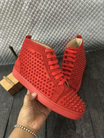 Nombre Marca Roja Bottom Cheap Sneaker Flat Fashion Nuevo diseñador de cuero genuino Original Box High Top Man Shoes Spikes Rivets