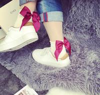 harajuku yüksek çoraplar toptan satış-Kadınlar pamuk sevimli çorap yay Harajuku sokak Glitter Şerit Ilmek yüksek Kesim Ayak Bileği Çorap Kız Moda Pırıltılı Kore femme Boyu Çorap