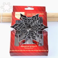 Wholesale Snowflakes Cake Mold Silicone - Stainless Steel DIY Baking Mold Christmas Snowflake Shape Biscuit Mould 5 PCS In One Set For Cake Decorating Tool 6kn C R