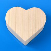 personalisierte schmuckkoffer großhandel-Herzform Holzkiste Boutique Kleine Holz Schmuck Verpackung Boxen Tragbare Make-Up Aufbewahrungskoffer Für Liebe Hochzeitsgeschenk Personalisierte 5af F