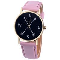 bandas de reloj de moda al por mayor-Unisex Relojes para mujeres Relojes para hombres Sencillo Clásico Brújula Banda de cuero Reloj de pulsera de cuarzo analógico Vogue Relogio