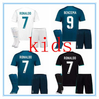 2017 Real madrid Kids soccer Jersey Full Sets Youth Child kit 17 18 RONALDO  home camisetas de futbol JAMES BALE football shirt With Socks · Nike  Patriots ... 5abedc1e38ed4