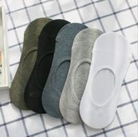 calcetines sin costura al por mayor-Calcetines de fibra de bambú del algodón de los nuevos hombres de moda calcetines bajos Calcetines invisibles de algodón calcetines inconsútiles para los hombres