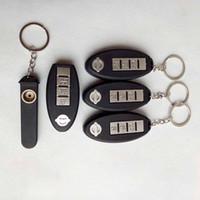 anahtar şeklinde kutu toptan satış-Uzaktan kumanda şekilli araba anahtarlık sigara Boru El tütün ile kuru bitkisel metal boru anahtarlıklar anahtarlık Ekran kutusu aracı