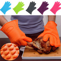 Wholesale heat finger - New Silicone BBQ Gloves Anti Slip Heat Resistant Microwave Oven Pot Baking Cooking Kitchen Tool Five Fingers Gloves WX9-11
