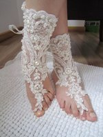 Wholesale Cheap White Wedding Sandals - Elegant Lace Beach Wedding Barefoot Sandals 2017 New Pearls Anklet Chain Cheap Custom Made Bridal Bridesmaid Jewelry Foot