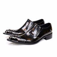 sapatos punk oxford venda por atacado-Nova Moda 2017 Estilo Punk Moda Deslizamento em Oxfords Sapatos Masculinos de Couro Genuíno Rebite Evening Party Dress Shoes