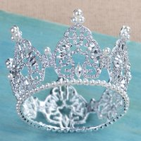 Barato Coroas Redondas Do Casamento Na China-Perfect Bridal Crowns Sparkling Crystals Pearl Luxo Round Tiara para o casamento 2017 New Design Bride Headpieces Made in China