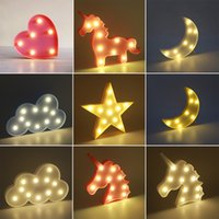 Cute LED Night Light Quarto Unicórnio Animal Cloud Star Heart Home Decor Bateria Lâmpada de parede