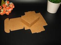 presente diy da caixa do bolo venda por atacado-Venda por atacado- 50pcs / lot 5x5x2cm Embalagem de Presente Kraft Paper Box Evento Festa de Casamento Doces Chocolate Padaria Assar Bolo DIY Sabonete Embalagem