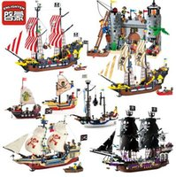 Compra Illumina I Blocchi Dei Pirati-Enlighten Pirates Of The Caribbean Brick Bounty Pirate Ship Building Blocks Regali per bambini Block Puzzle Toys Regali