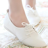 Wholesale white nurses shoes - 2016 new kanye west style white black flat shoes women lace up leather shoes high quality nurse shoes spring autumn fashion wear