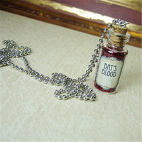 12pcs / lot BAT'S BLOOD colar tags Cork Glass Bottle Pendant jewelry