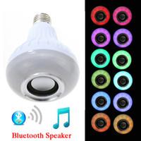 altavoces controlados a distancia al por mayor-Bluetooth inalámbrico Altavoz Bombilla Reproducción de música Ahorro de energía RGB Soptlight E27 Lámpara de luz LED con control remoto Envío gratis