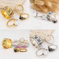 4 Pcs Hot Sale Retro gravado Flower Gold Ring Set Mulheres Silver Gold Charm Black Gem Joint Finger Ring Presentes Christmas Gift D17S